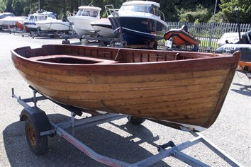 Photo of 12ft 6in wooden dinghy